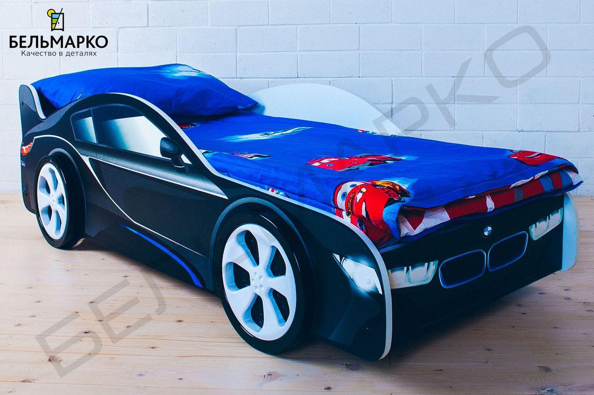Детская кровать в виде машины BMW.