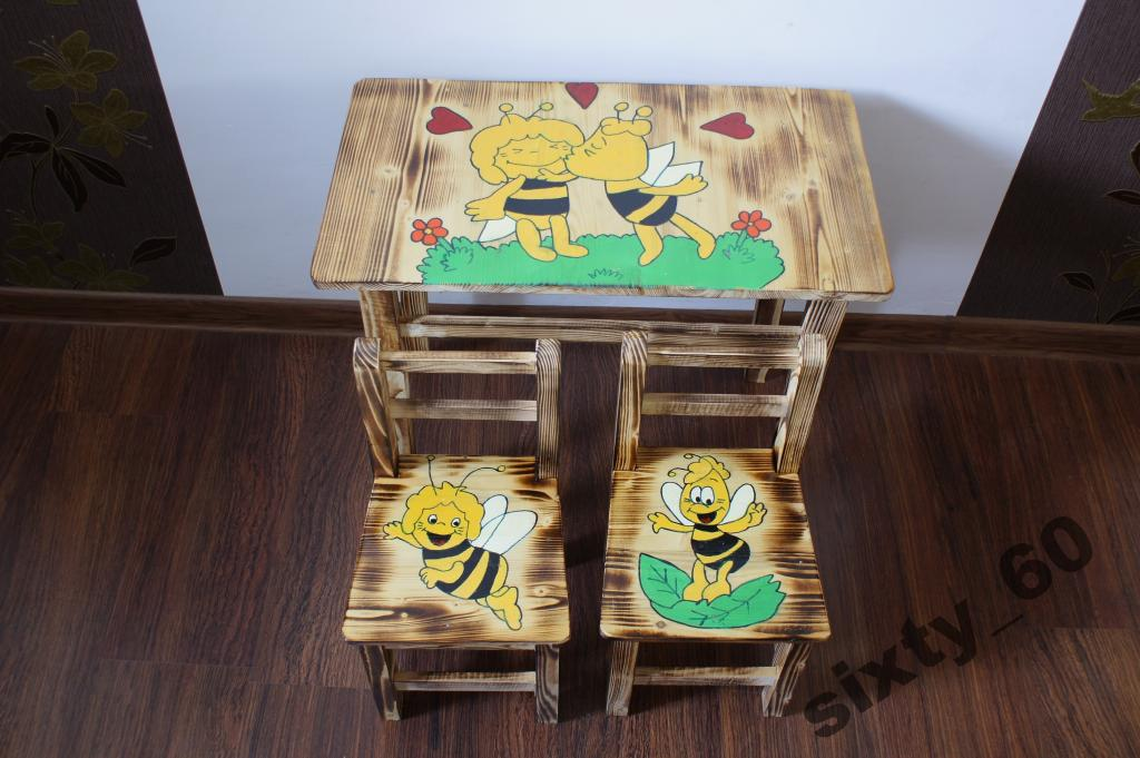 """Детский столик и стульчик """"Пчелка Майя""""."""