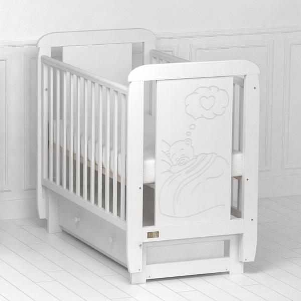 Детская кроватка  Amore (с поперечным маятником).