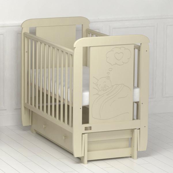 Детская кроватка  Amore (с продольным маятником).
