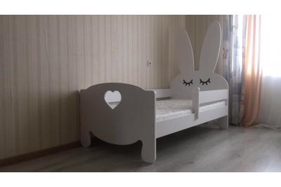 Кровать детская от 3х лет Bunny сердечко с бортиками  (матрас в комплекте).