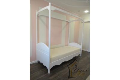 Кровать детская от 3 лет Мэджик ( из массива сосны).