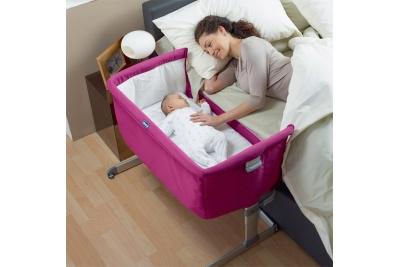 Приставная кроватка Chicco Next2Me (Next to Me) цвет фуксия.
