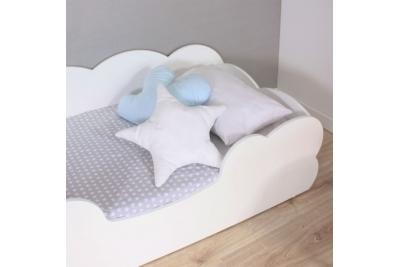 Кровать детская Облачко с высокими бортиками и матрасом.