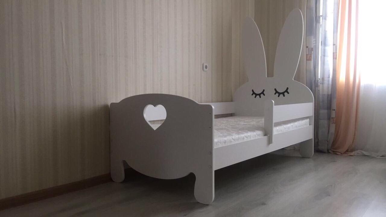 Кровать детская от 3х лет Bunny+ сердечко (матрас в комплекте).