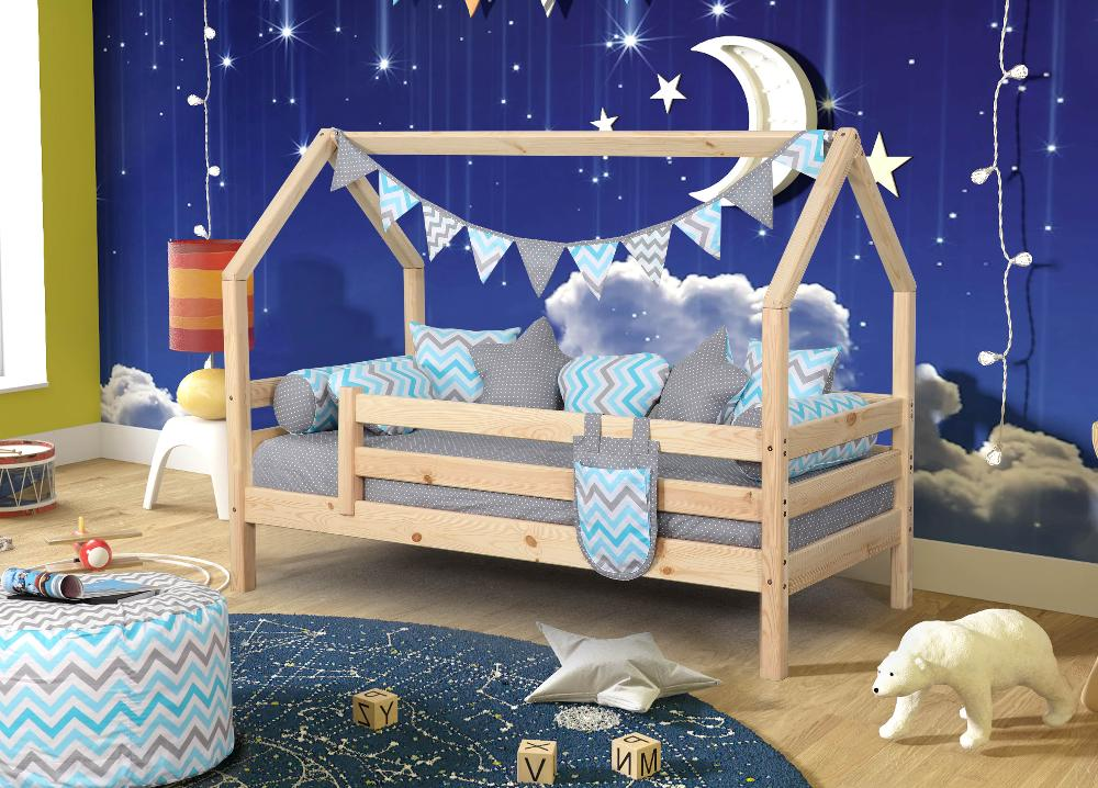 Кровать домик Соня (лак) с бортиками (массив сосны)