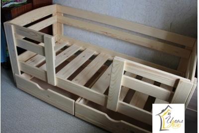 Кровать детская от 3 лет Малыш-3 (массив сосны).