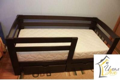 Кровать детская от 3 лет Малыш (массив сосны).