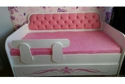 Тахта детская розовый коралл орнамент.