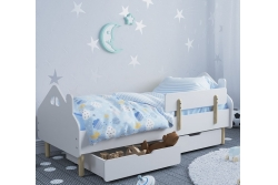 Кровать детская с бортиком на деревяных ножках Домик.